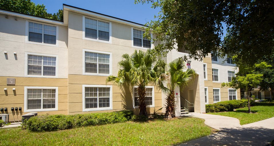 courtney manor apartments in jacksonville fl