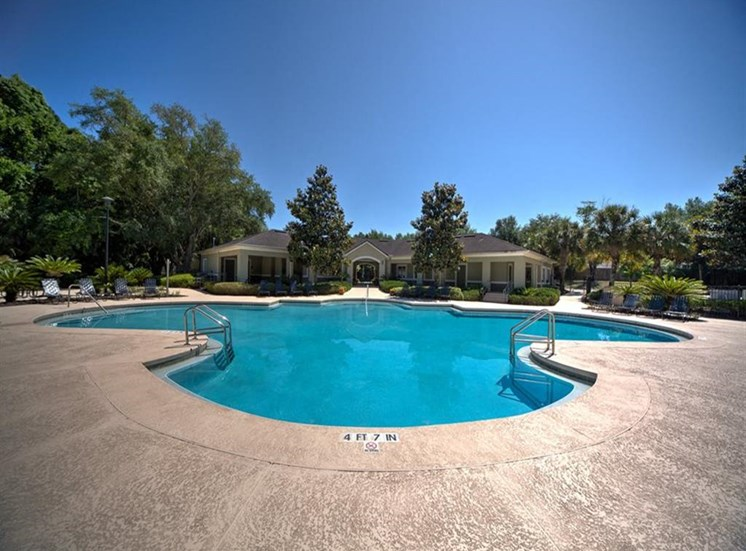 Pool at Courtney Manor