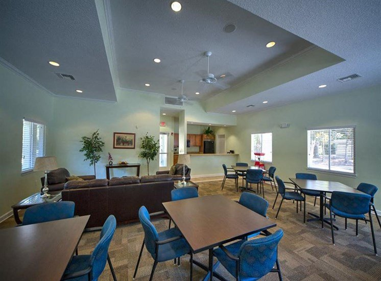 Resident Lounge at Courtney Manor