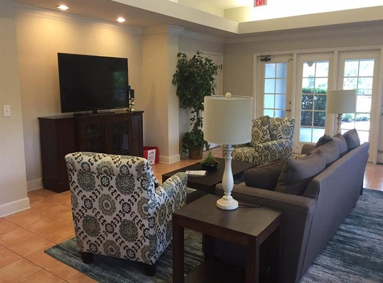 Resident Lounge at Madelyn Oaks