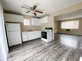 1100 Oakwood Drive 1-3 Beds Apartment for Rent Photo Gallery 1