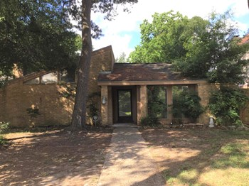 4703 EAGLE TRAIL DR 4 Beds House for Rent Photo Gallery 1