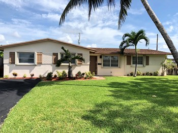 4591 NW 10 Way 3 Beds House for Rent Photo Gallery 1