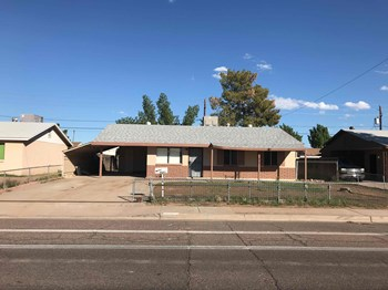 4641 N 71st Ave 3 Beds House for Rent Photo Gallery 1