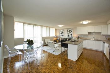 3 bedroom apartments for rent in mississauga on rentcaf - One bedroom condo for rent mississauga ...