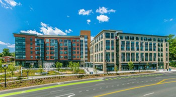 950 South George Mason Drive 1-2 Beds Apartment for Rent Photo Gallery 1