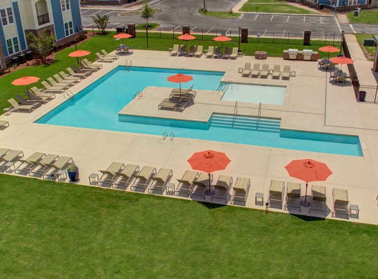 Resort-Style Pool at Beckstone Apartments, Summerville
