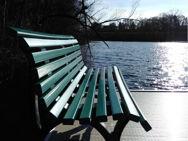 Lakeside Seating
