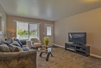3902 Mayfield Ave NE Studio-2 Beds Apartment for Rent Photo Gallery 1