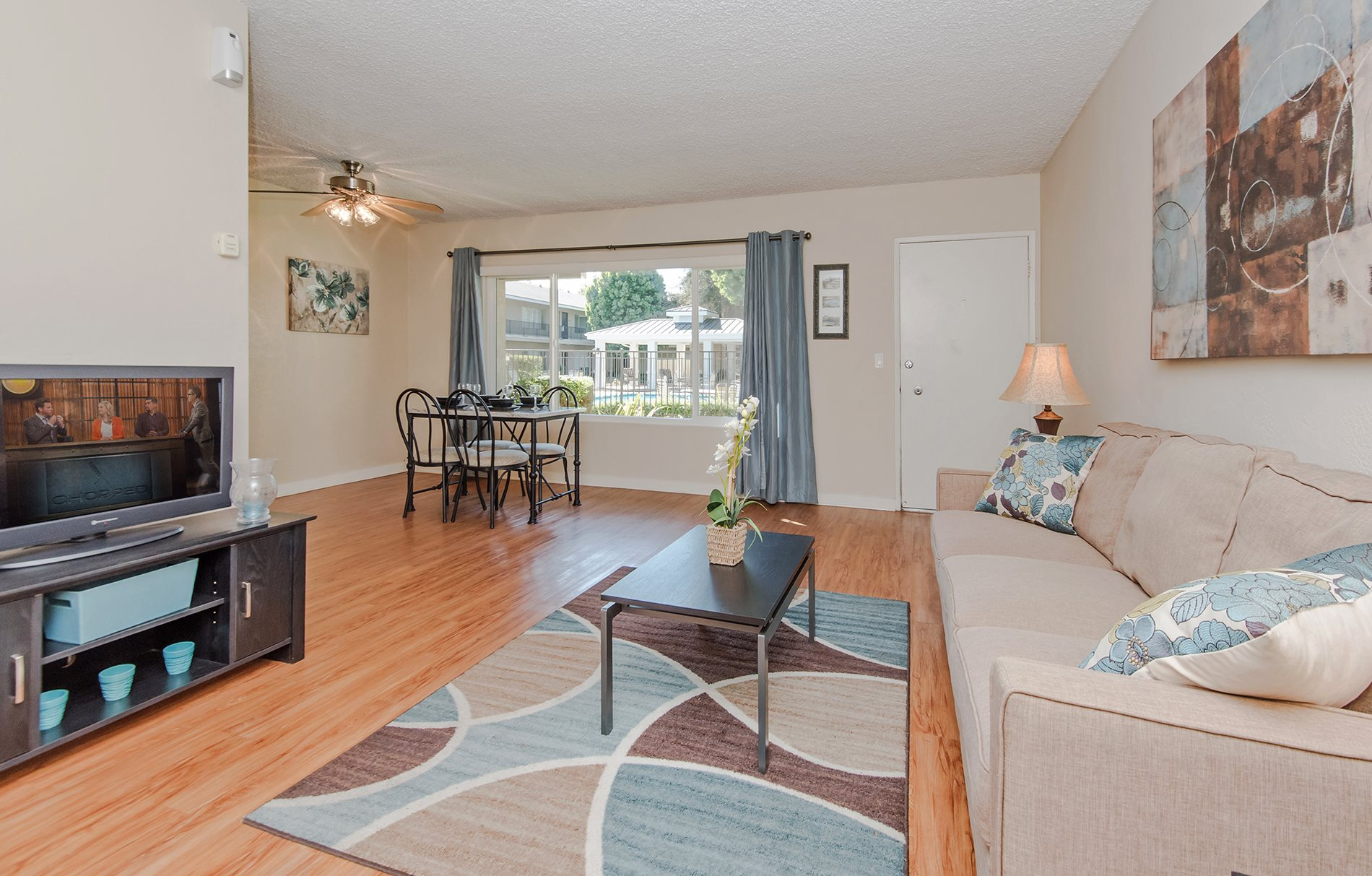 Ventura Beach Resort Luxury Apartments