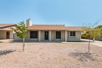 2537 E COMMONWEALTH Cir 3 Beds House for Rent Photo Gallery 1