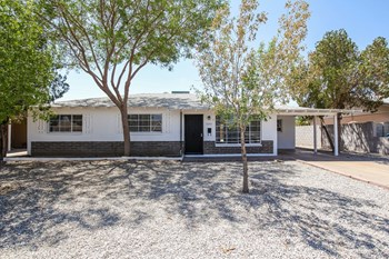 2933 W CITRUS Way 4 Beds House for Rent Photo Gallery 1