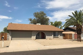 8502 N 54TH Dr 3 Beds House for Rent Photo Gallery 1