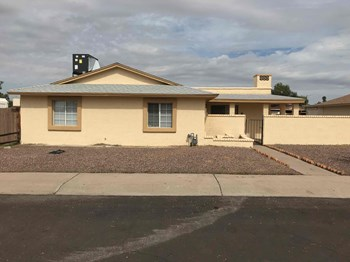 13806 N 47TH Ave 4 Beds House for Rent Photo Gallery 1