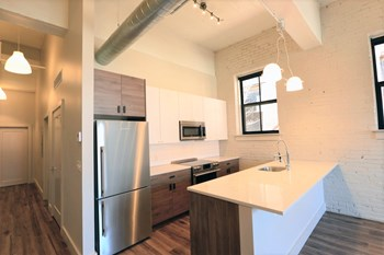 2217 Locust 1-2 Beds Apartment for Rent Photo Gallery 1