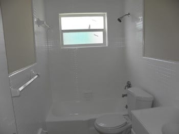 1244 West 36th Street 2 Beds Apartment for Rent Photo Gallery 1