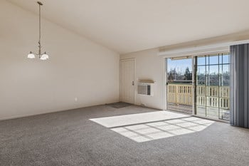 2400 Edgewater Drive 2 Beds Apartment for Rent Photo Gallery 1