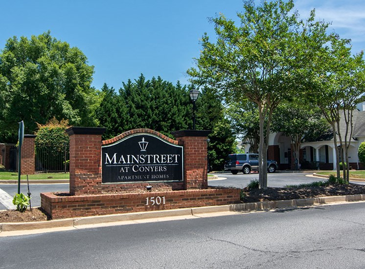 mainstreet at conyers entrance sign