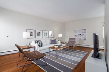 620 67th Avenue SW 1 Bed Apartment for Rent Photo Gallery 1