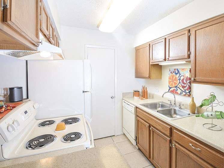 Dishwasher, Disposal, Stove/Oven