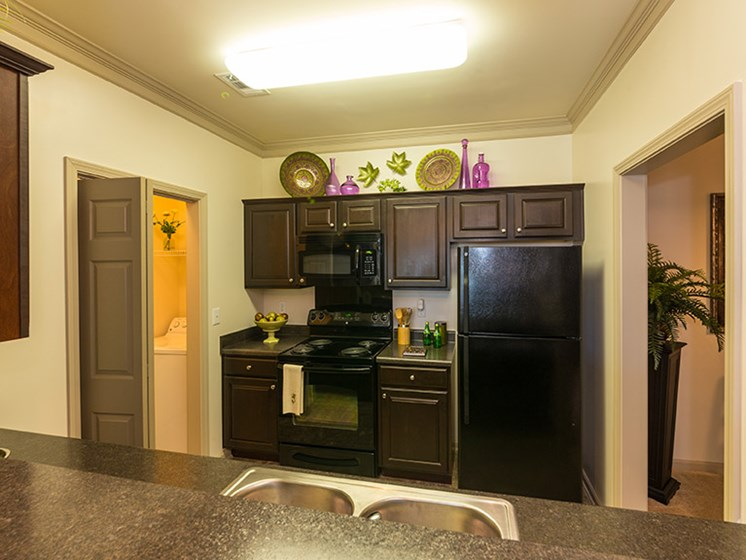 Kitchen with Microwave, Ice Maker