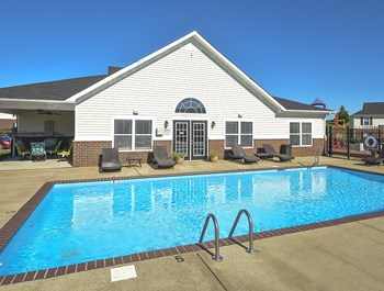 3700 Old Greenbrier Pike 1-3 Beds Apartment for Rent Photo Gallery 1