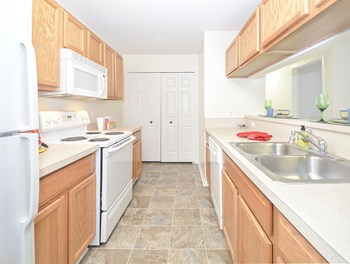 16505 Grace Ct. 1-2 Beds Apartment for Rent Photo Gallery 1