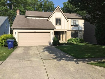 8900 Cornwallis Ct 4 Beds House for Rent Photo Gallery 1