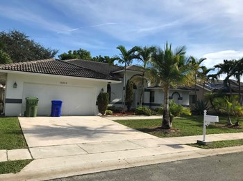 10253 Sw 12 Street 3 Beds House for Rent Photo Gallery 1