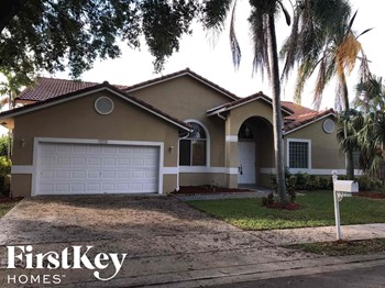10320 Sw 15 Street 4 Beds House for Rent Photo Gallery 1