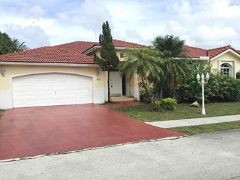 10901 Sw 161 Place 4 Beds House for Rent Photo Gallery 1