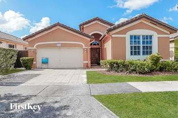 1246 Sw 146 Court 4 Beds House for Rent Photo Gallery 1