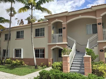 1271 Se 27 St #202 2 Beds House for Rent Photo Gallery 1