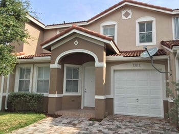 13817 SW 275 Terrace 3 Beds House for Rent Photo Gallery 1