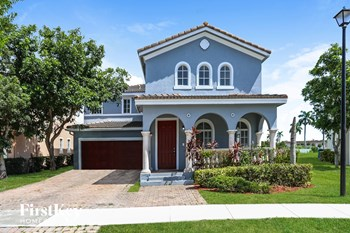 13921 Sw 278 Street 5 Beds House for Rent Photo Gallery 1