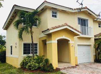 14000 Sw 260 Street #105 4 Beds House for Rent Photo Gallery 1