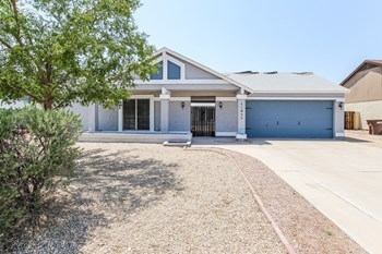 11920 N 78TH St 3 Beds House for Rent Photo Gallery 1