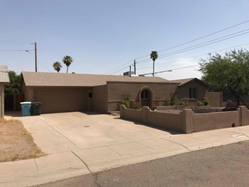 3550 E THUNDERBIRD Rd 3 Beds House for Rent Photo Gallery 1