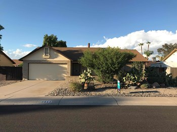 8944 W PALO VERDE Ave 3 Beds House for Rent Photo Gallery 1