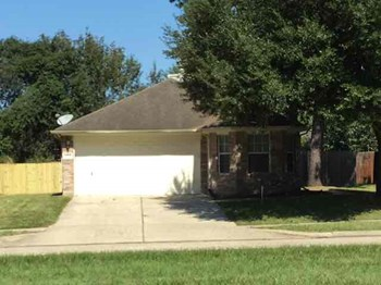 26710 CYPRESSWOOD Dr 3 Beds House for Rent Photo Gallery 1