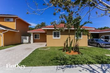 14739 Sw 142 Street 3 Beds House for Rent Photo Gallery 1