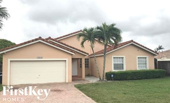 15210 Sw 142 Terrace 4 Beds House for Rent Photo Gallery 1