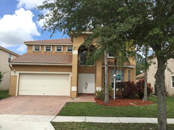 1633 NW 143 Way 4 Beds House for Rent Photo Gallery 1