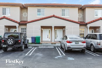 17166 Sw 138 Court 3 Beds House for Rent Photo Gallery 1