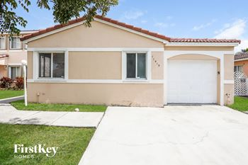 17419 Sw 142 Court 3 Beds House for Rent Photo Gallery 1