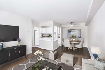 80 Chipstone Close - 81 Radcliffe Drive Studio-3 Beds Apartment for Rent Photo Gallery 1