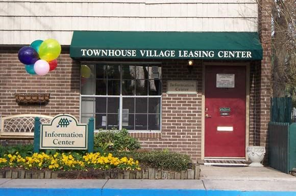Townhouse Village Apartments Photo Gallery 1