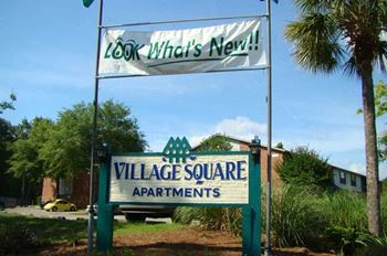 1704 N. Woodmere Drive 1-2 Beds Apartment for Rent Photo Gallery 1