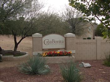1100 E Parkway Drive 2-4 Beds Apartment for Rent Photo Gallery 1