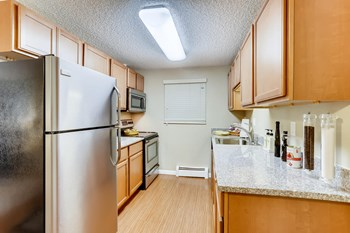 2420 West Reservoir Road Studio-2 Beds Apartment for Rent Photo Gallery 1